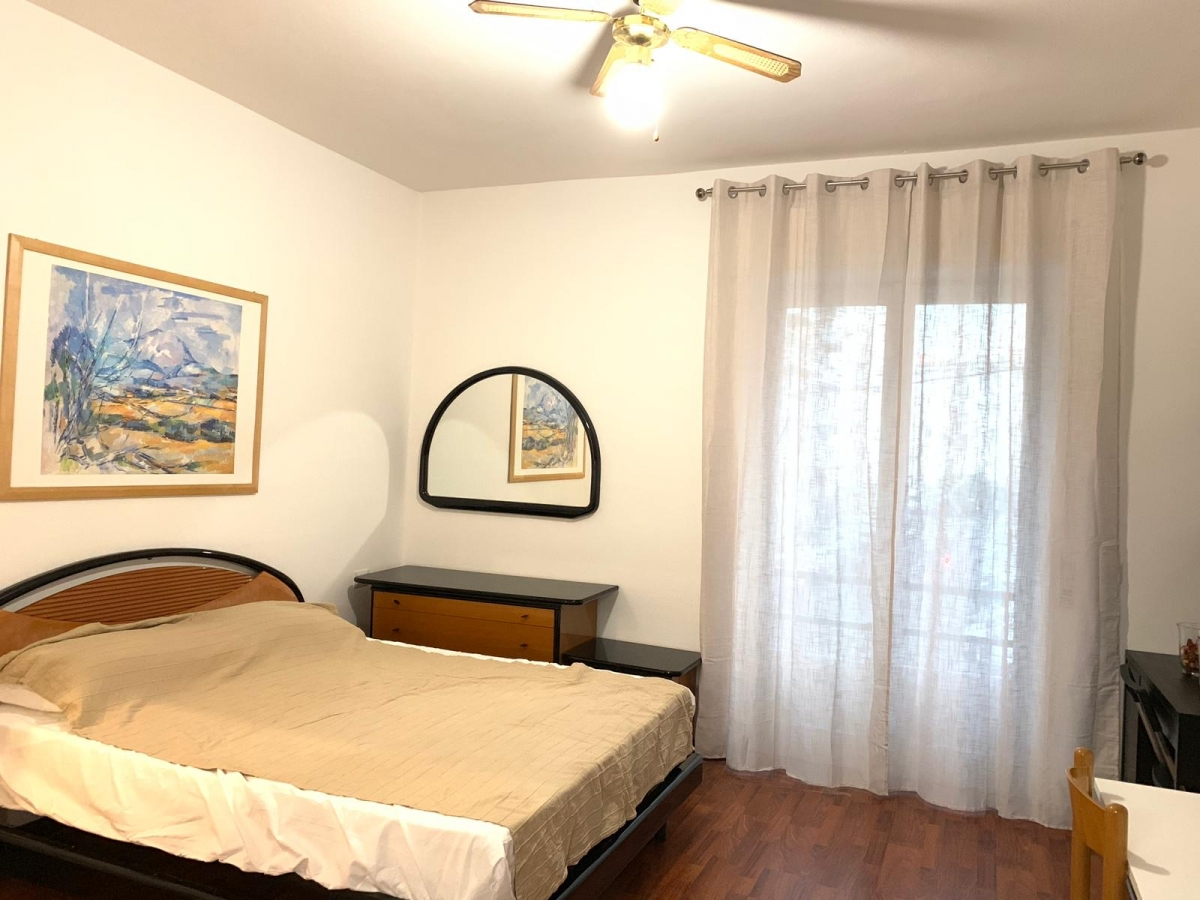 The Studio is near the metro station Lodi